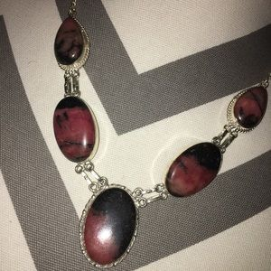 Jewelry - Stunning Rhodonite silver plated necklace
